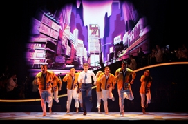 14) The Catch Me If You Can Tour Company © Carol Rosegg