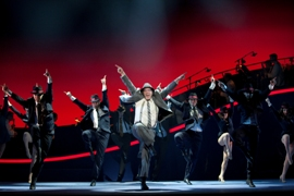 6) The Catch Me If You Can Tour Company © Carol Rosegg