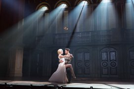 Caroline Bowman as 'Eva Perón' and Josh Young as 'Che' in the Touring Cast of EVITA. Photo by Richard Termine