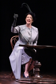 Annette-Bening-in-RUTH-DRAPERS-MONOLOGUES-at-the-Geffen-Playhouse.-Photo-by-Michael-Lamont.
