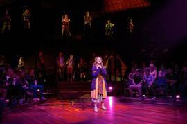 Carrie-LosAngelesTheater-0840-v2