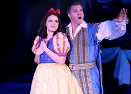 A SNOW WHITE CHRISTMAS - 7