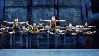 Segerstrom-Center-Original-company,-North-American-tour-of-NEWSIES-Copyright-Disney-Photo-by-Deen-van-Meer_1