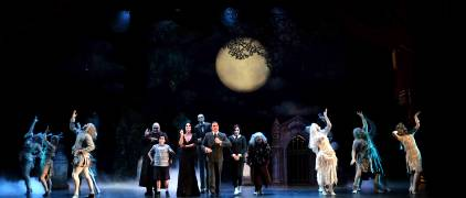 msp-the-addams-family-the-company-photo-credit-ken-jacques-photography-4